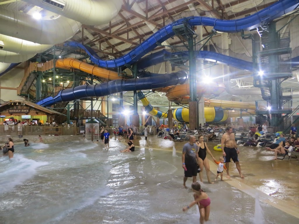 Labyrinth of water slides, Great Wolf Lodge Poconos